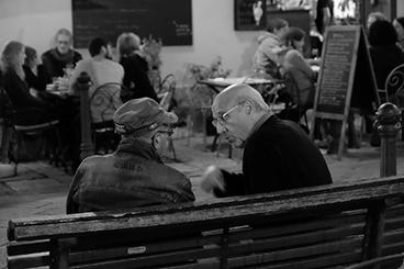 ALZHEIMER Come favorire la comunicazione nella vita quotidiana